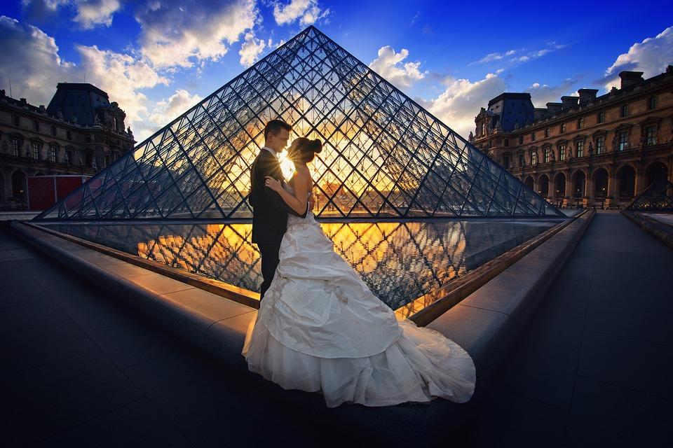 Caut un om pentru nunta alba in Franta)