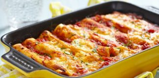 Retete bucatarie italiana: cannelloni cu carne de vita in sos bechamel