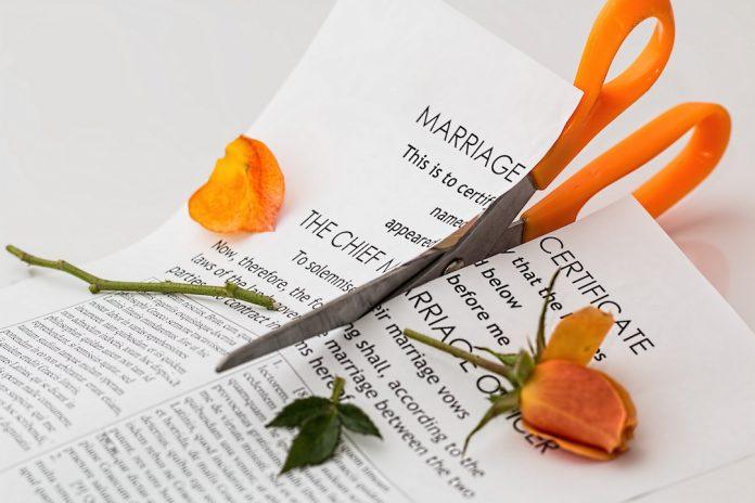 divort din strainatate: acte