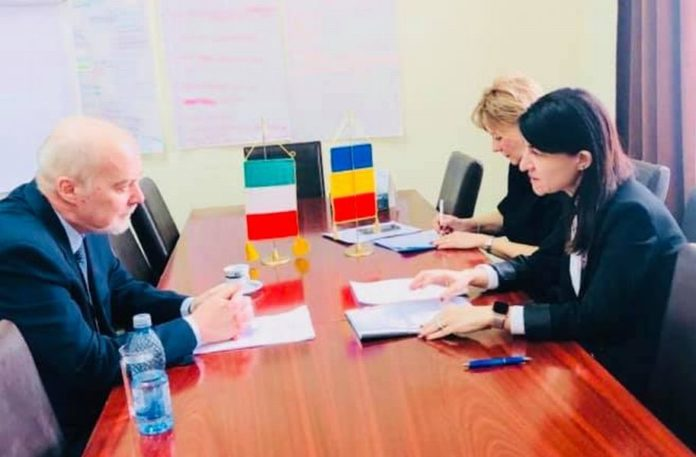 Ministrul Muncii, Violeta Alexandru, a anunțat că se va ocupa în următoare perioadă de pensia românilor din străinătate